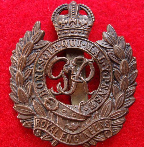 WW2 BRITISH ARMY ROYAL ENGINEERS UNIFORM CAP BADGE