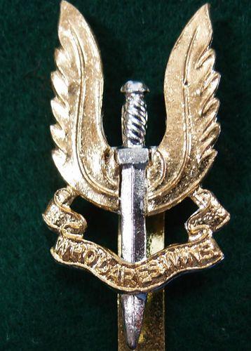 AUSTRALIAN OR BRITISH (SAS) SPECIAL AIR SERVICE CAP BADGE