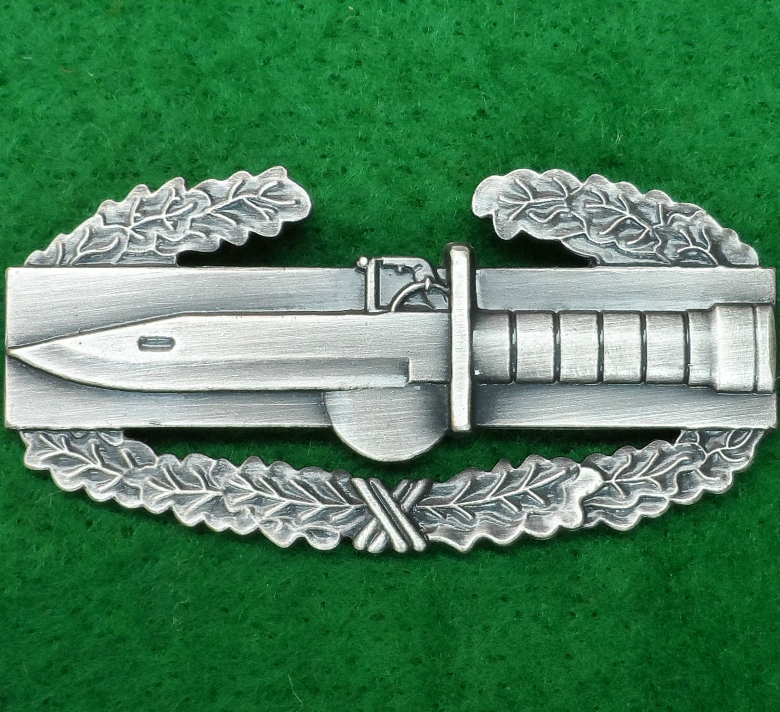 US ARMY COMBAT ACTION BADGE AWARD MEDAL
