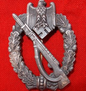 WW2 GERMAN ARMY-WAFFEN SS INFANTRY ASSAULT BADGE IN SILVER