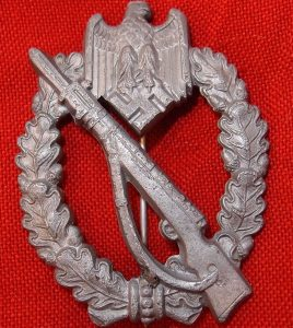 WW2 GERMAN ARMY WAFFEN SS INFANTRY ASSAULT BADGE IN SILVER SHuCo