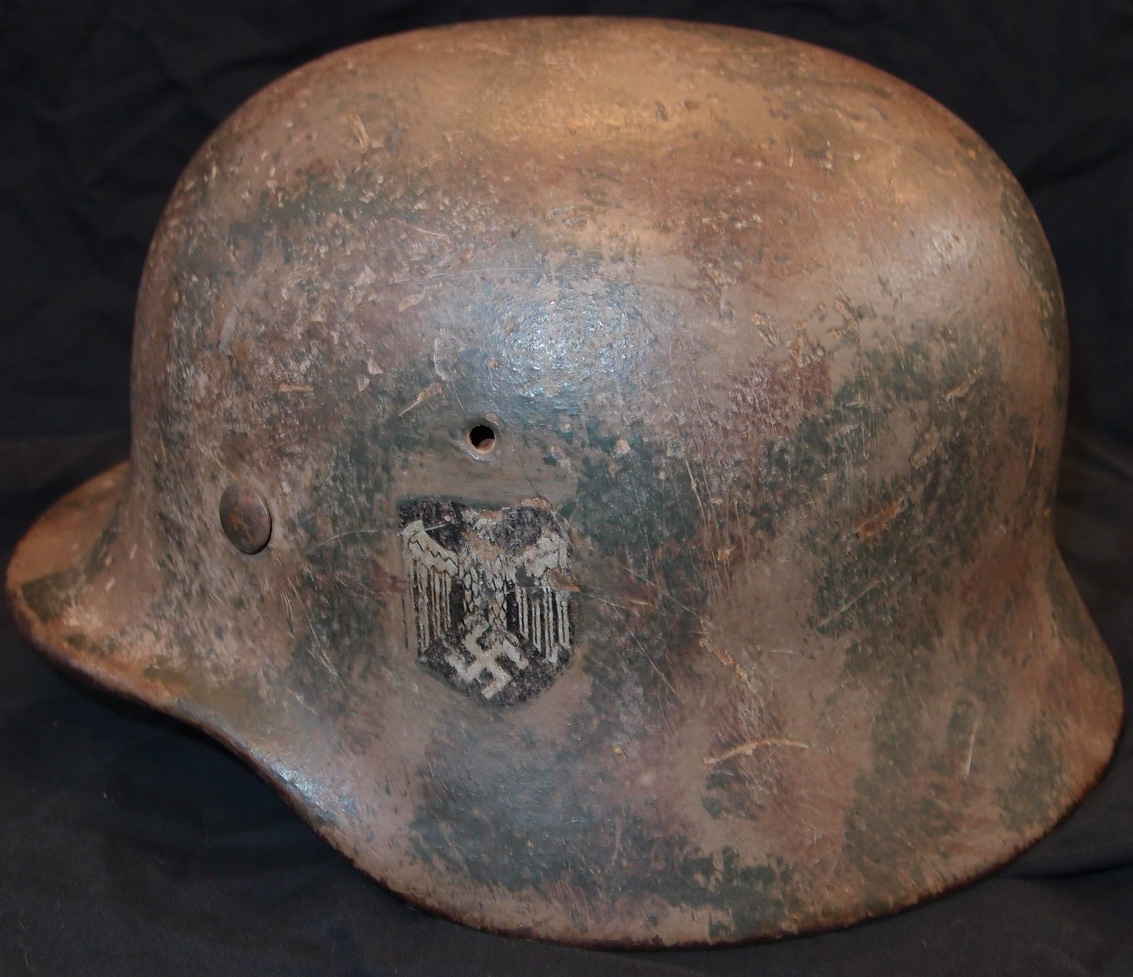 WW2 GERMAN ARMY M40 CAMOUFLAGE STEEL HELMET