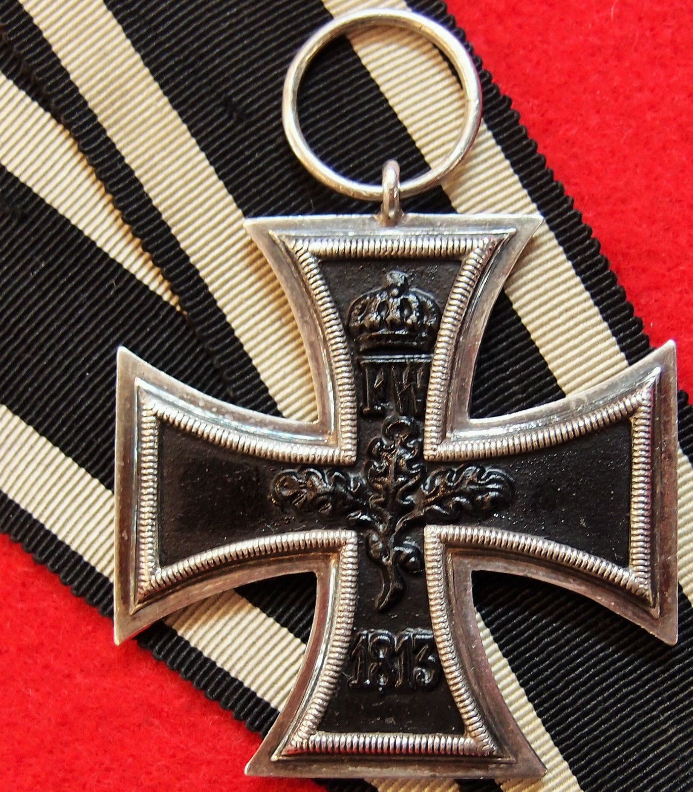 RARE WW1 GERMAN ARMY SERVICE MEDAL IRON CROSS FOR BRAVERY
