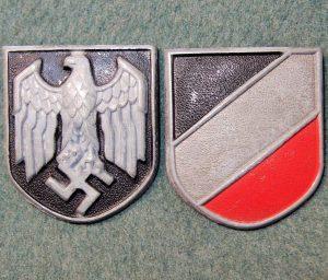 WW2 GERMAN AFRIKA KORPS PITH HELMET SHIELDS PAIR