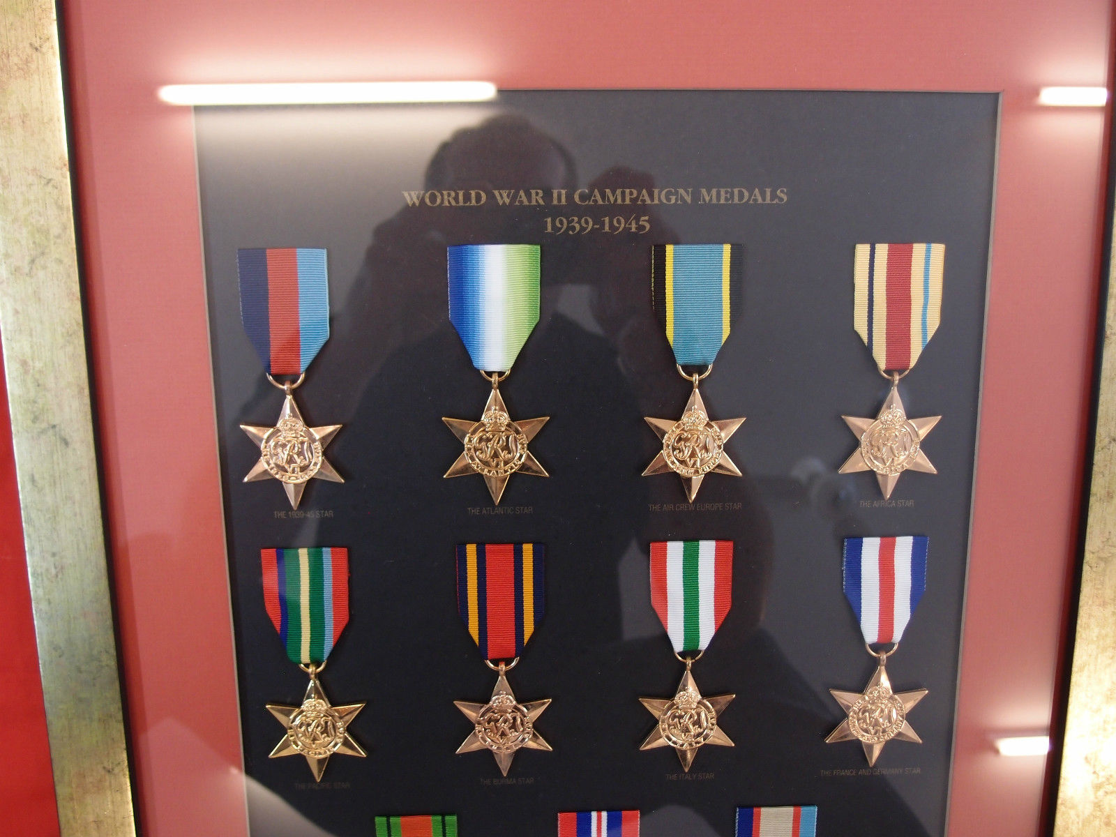 WW2 AUSTRALIAN SERVICE MEDALS 1939-45 SET REPLICA IN DISPLAY FRAME ...