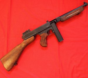 REPLICA WW2 US THOMSON SUB MACHINE GUN BY DENIX