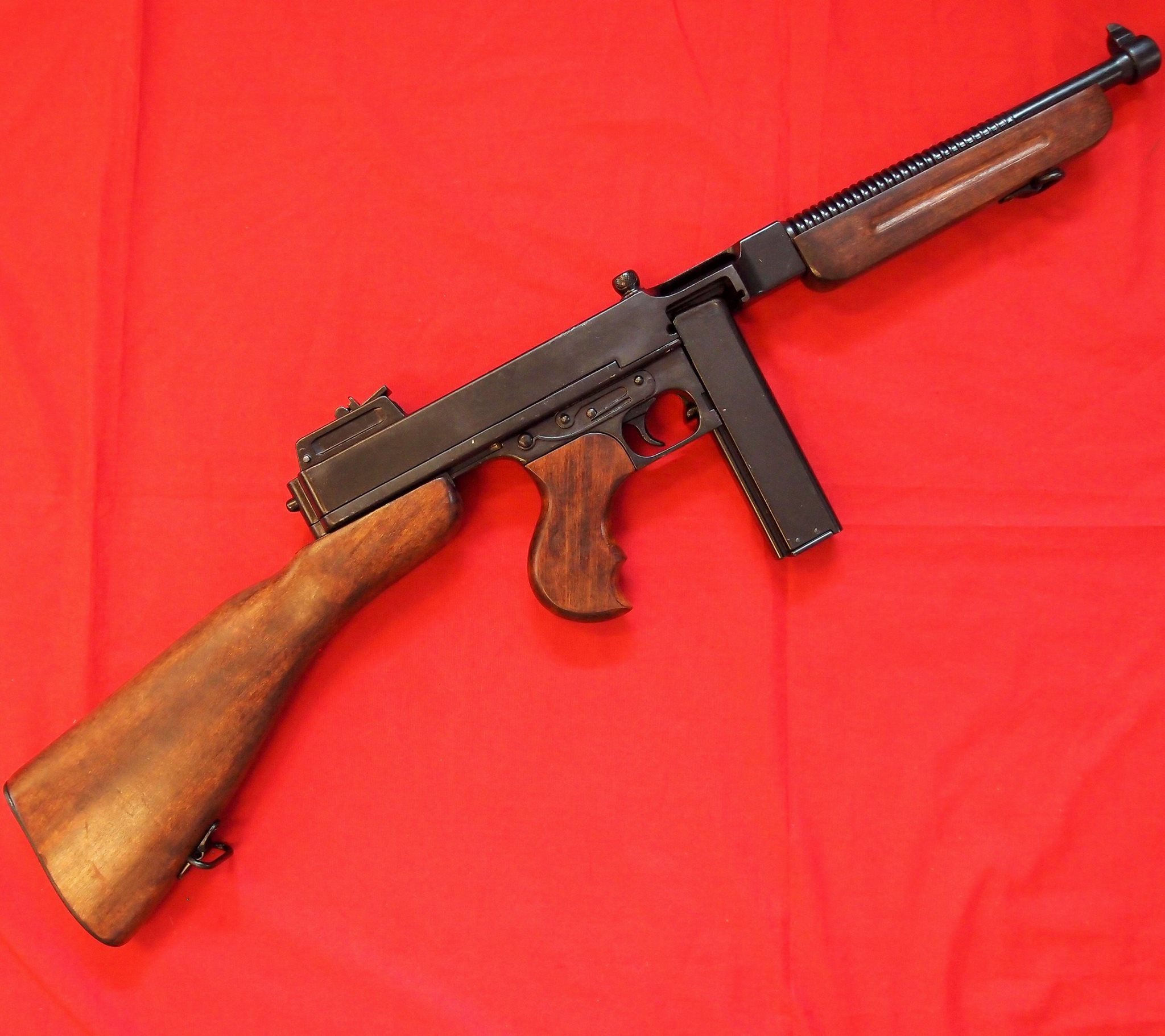 REPLICA WW2 US THOMSON SUB MACHINE GUN BY DENIX
