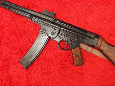 DENIX WW2 REPLICA GERMAN STG 44 SUB MACHINE GUN