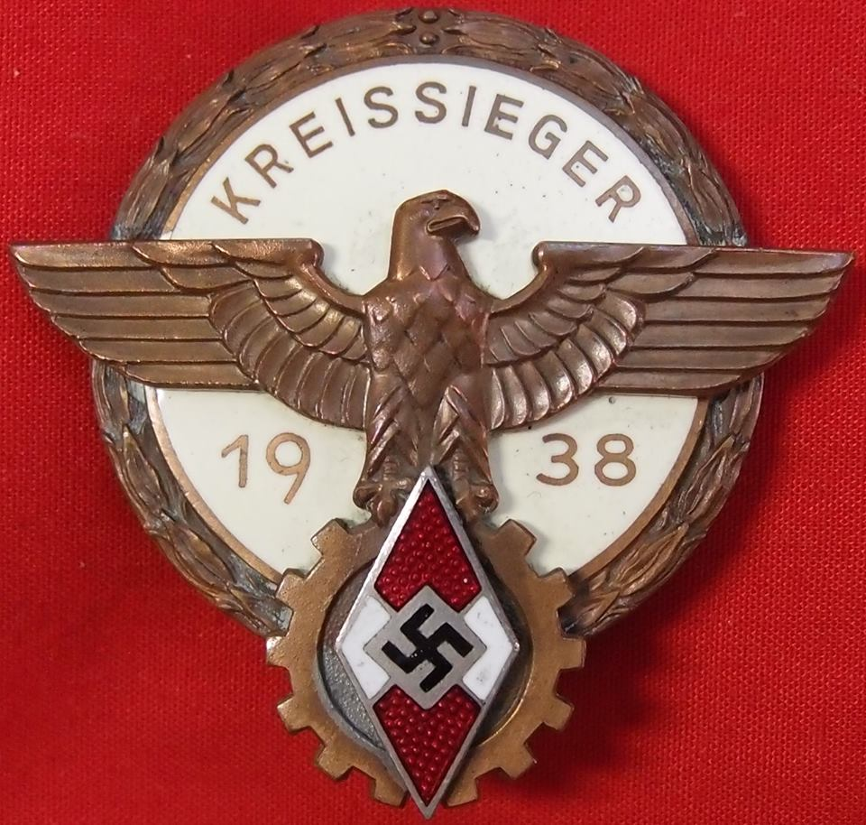 HITLER YOUTH DAF KREISSIEGER LEVEL 1938 NATIONAL TRADE COMPETITION BADGE