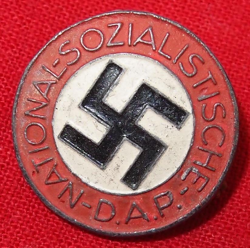 WW2 GERMAN NAZI PARTY MEMBERSHIP BADGE