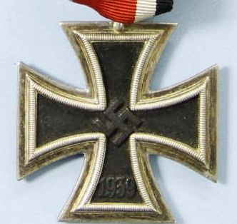 WW2 GERMAN IRON CROSS 2ND CLASS