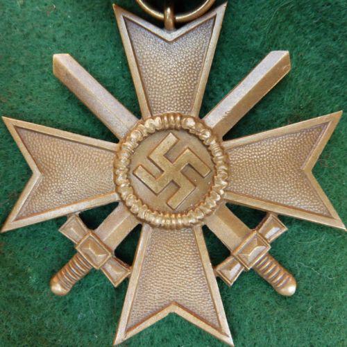 WW2 NAZI GERMANY WAR MERIT CROSS WITH SWORDS MEDAL