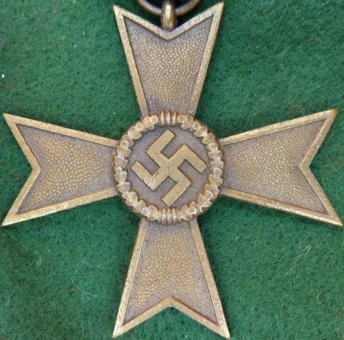 WW2 NAZI GERMANY WAR MERIT CROSS WITHOUT SWORDS MEDAL