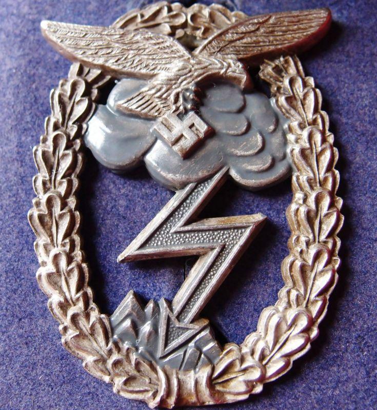 Ww2 German Luftwaffe Ground Assault Badge In Case Jb