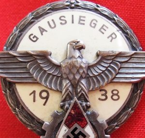 hitler-youth-daf-gausieger-level-1938-national-trade-competition-badge-1