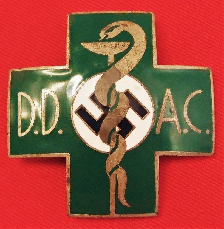 WW2 GERMAN D.D.A.C. AUTOBAHN EMERGENCY RESPONDERS BADGE
