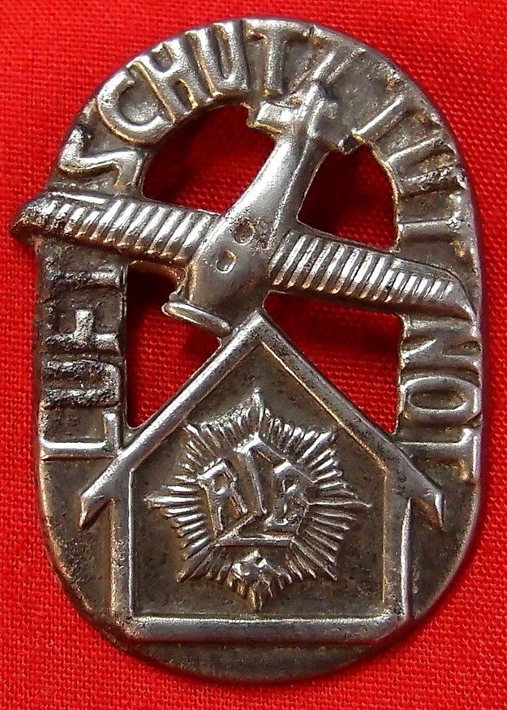 WW2 GERMAN LUFTSCHUTZ TINNIE BADGE