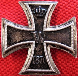 WW1 MADE GERMAN 1870 IRON CROSS 1st CLASS FOR BRAVERY IN COMBAT MEDAL BADGE