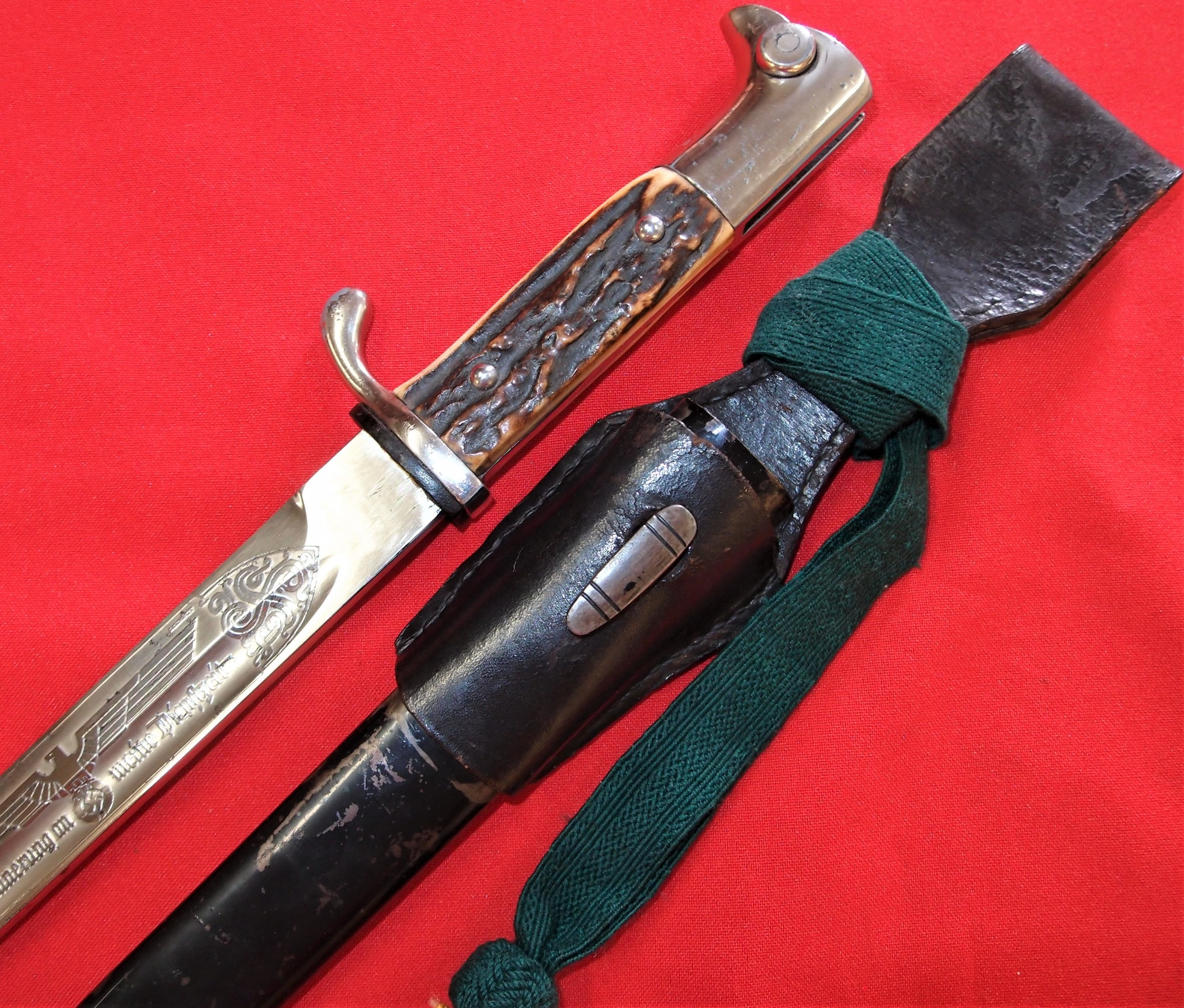 WW2 GERMAN ETCHED K98 PARADE STAG GRIPPED BAYONET WITH SCABBARD, FROG & KNOT