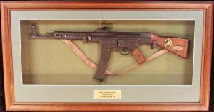 FRAMED WW2 GERMAN DENIX REPLICA STG-44 ASSAULT RIFLE