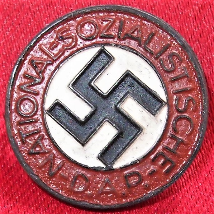 WW2 GERMAN NAZI PARTY UNIFORM MEMBERSHIP BADGE