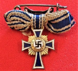 WW2 NAZI GERMANY MINIATURE MOTHERS CROSS IN GOLD