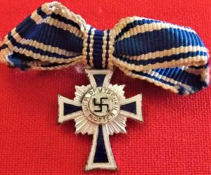 WW2 NAZI GERMANY MINIATURE MOTHERS CROSS IN SILVER