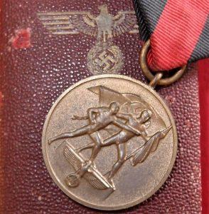 CASED WW2 GERMAN CZECH SUDETENLAND OCCUPATION MEDAL 1ST OCTOBER 1938