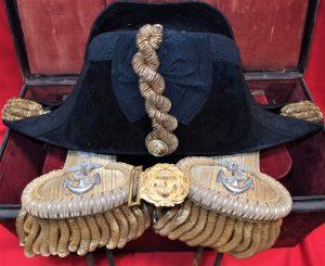 OLYWW2 AUSTRALIAN ANAVY NAMED ADMIRAL FARQUHAR SMITH UNIFORM TRUNK RANK BOARDS HAT HMAS SYDNEY RELATED DIGITAL CAMERA