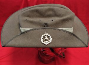 AKUBRA MADE AUSTRALIAN ARMY UNIFORM SLOUCH HAT ROYAL AUSTRALIAN REGIMENT RAR