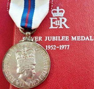 POST WW2 1977 QUEEN ELIZABETH II JUBILEE MEDAL IN CASE OF ISSUE COMMONWEALTH