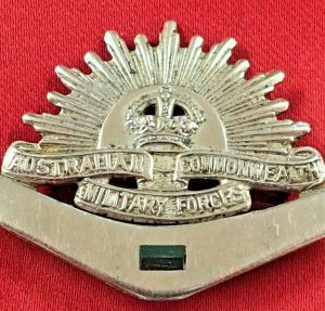 WW1/WW2 ERA AUSTRALIAN ARMY ANZAC RISING SUN SWEET HEART BADGE MEDAL *AIF 3rd BN