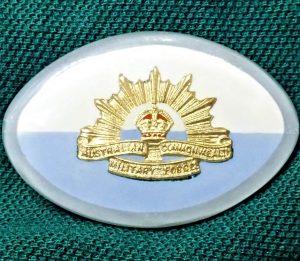 WW2 AUSTRALIAN ARMY 44TH BATTALION SWEET HEART BADGE ANZAC