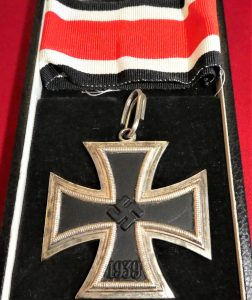 Very good copy of a WW2 German Knight's Cross of the Iron Cross in case