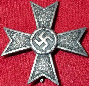 WW2 GERMAN 1ST CLASS WAR MERIT WITHOUT SWORDS BY WILHELM DEUMER LEDENSCHEID