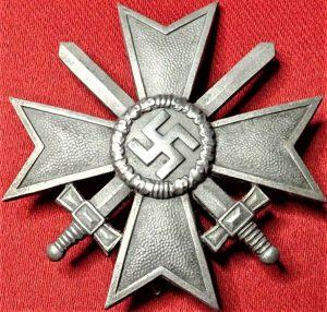 WW2 GERMAN WAR MERIT CROSS 1ST CLASS WITH SWORDS BY C.E. JUNKER OF BERLIN