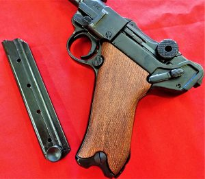 REPLICA WW1 WW2 GERMAN ARTILLERY LUGER PISTOL BY DENIX