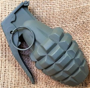 DENIX M2 US ARMY NAVY MARINES TOY PINEAPPLE M1918 GRENADE COSPLAY