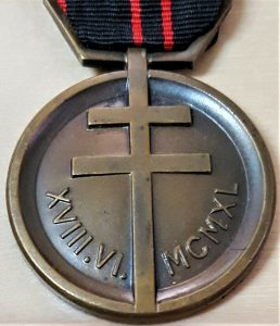 SCARCE WW2 FRENCH MEDAL OF THE RESISTANCE 1940-1945 ANT NAZI FIGHTERS