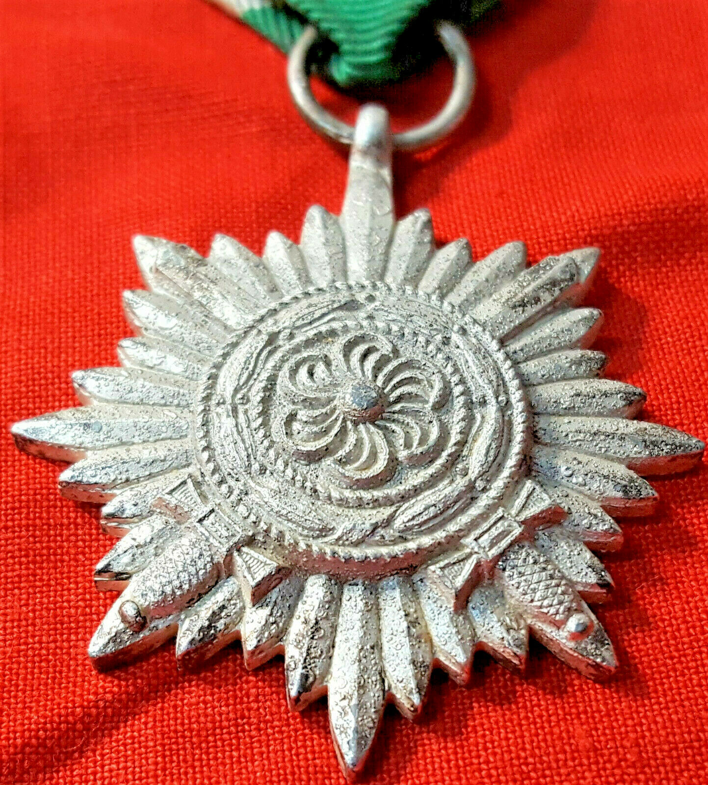 WW2 EASTERN PEOPLES DECORATION 2ND CLASS IN SILVER WITH SWORDS GERMAN MADE