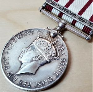 NAVAL GENERAL SERVICE MEDAL CLASP MINE SWEEPING 1945-51 PKX 154150 VALLANCE