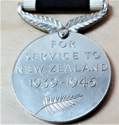 VINTAGE ORIGINAL WW2 NEW ZEALAND SERVICE MEDAL ARMY AIR FORCE NAVY