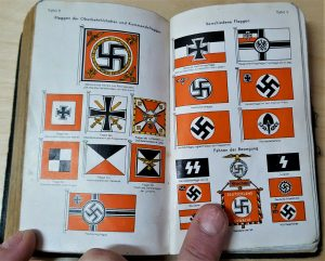 WW2 GERMAN SOLDIER'S FRIEND BOOK 1939 FLAGS, UNIFORMS, MEDALS, BADGES