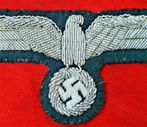WW2 GERMAN ARMY OFFICER'S UNIFORM TUNIC EAGLE PATCH BADGE