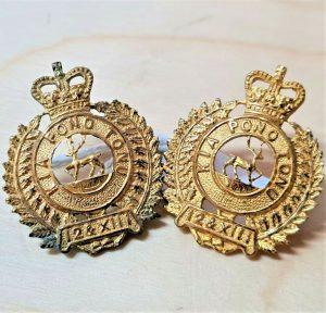 Post WW2 New Zealand Army kia pono tonu collar badges 12th & 13th Regiment