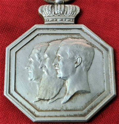 VINTAGE WW2 BELGIUM COMMEMORATIVE MEDAL 100TH ANNIVERSARY INDEPENDENCE