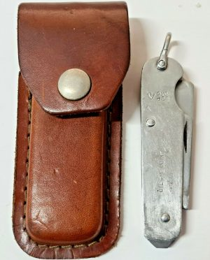 WW2 1945 DATED BRITISH ARMY SHEFFIELD STEEL CLASP KNIFE WITH SCABBARD SSP