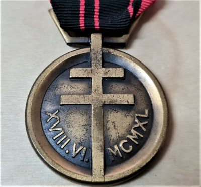 SCARCE WW2 FRENCH MEDAL OF THE RESISTANCE 1940-1945 ANTI NAZI FIGHTERS